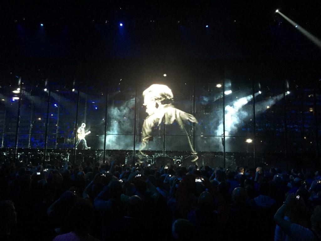 U2 (3)