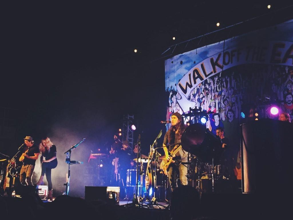 WalkOffTheEarth (5)